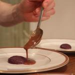 Bisque de homard au foie de rouget, crème de raifort