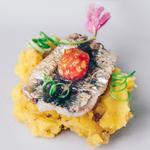 Sardine grillée, purée d'huile d'olive, graines de tomate. Umami sauce sucrée