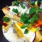 Dos de merlu rôti sur mousseline de butternut, émulsion de fenouil et pavot bleu.