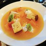Soupe de melon, foccacia lavande, fromage frais et melon rotis
