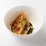 Gyoza Foie gras & Chou / Sauce Soja & Aji panca / Wasabi aux fanes