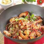 Wok de gambas, linguini et légumes chop suey, façon thaï