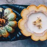 Cacao cru et fève de tonka panna-cotta