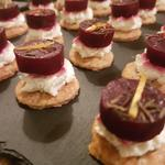Goat cheese and beetroot on a sable