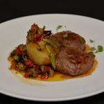 Filet d'agneau rôti pomme de terre et ses petits légumes
