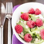 Salade de jeune pousse d'épinard et framboises