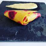 Samosas de cuirs de fruits garnis d'une pâte d'oléagineux accompagné d'une sauce à la magie