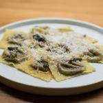 Tortellini de cèpes, beurre noisette infusé à la sauge, Parmigiano reggiano