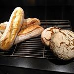 Baguette tradition farine T65  bio, et tourte auvergnate pur seigle T130 ...fabrication maison