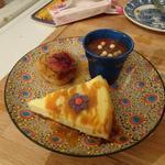Cheese-cake, mousse au chocolat et pêche rôtie au miel et thym