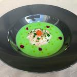 Velouté de brocoli, citron vert , saint jacques / huitre et oeufs de truite