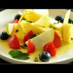 Salade de fruits, vinaigrette huile d'olive-citron vert-menthe