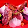 Boeuf, croutons, navet, échalotes confites et vitelotte.