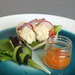 Panier croustillant aromatisé au cajun, mousseline au poissons Normand parfumée a la myrte citronnée d'Australie
