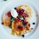 American pancakes, summer fruits, maple syrup