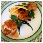 Simple seared scallops with Lemon