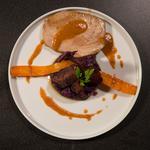 Thon mi-cuit, écrasé de vitelottes et carottes glacées