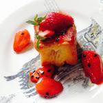 cube de broiche façon pain perdu aux fraises de Sologne et fruit de la passion