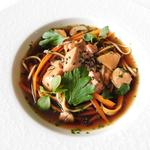 Bouillon thaïe , foie gras pôché