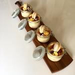 Tiramisu façon crème brulée et macaron vanille.