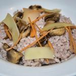 Risotto vin rouge, parmesan et champignons rôtis