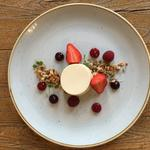 Baked yogurt,berries, honey and fennel pollen granola