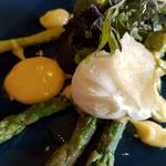 Asparagus ,poached egg and hollandaise sauce