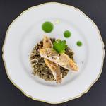 Pêche du jour grillée, duxelles de champignons et jus au vert