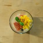Perles de tapioca et dés de mangue, pomelo au lait de coco