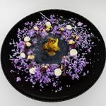 Faut pas se prendre le chou : Nage de chou fleur, chou fleur rôtie, pickles de Romanesco, semoule de chou graffiti, crème chou fleur chocolat blanc.