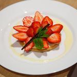 Sablé aux fraises et sa crème anglaise