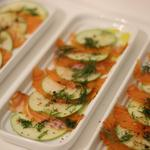 Saumon mariné, pomme verte et huile d'aneth