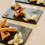 Foie gras maison du chef et son confit pommes-oignons