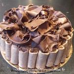 Entremets chocolat 70% Guanaja, crème diplomate vanille grand cru Tahaa (Tahiti) poires williams)
