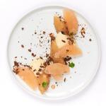 Crémeux chocolat blanc, compote de pommes et pamplemousse, crumble Sarrazin