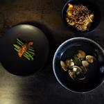 Asari Saké Mushi (soupe de palourdes au saké) Oyako Don (riz au poulet et aux oeufs) Ingen no Goma ae (haricots verts au sésame)