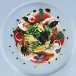 Tomate mozzarella di Buffala et jeunes pousses au vinaigre balsamique