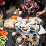 Table de buffet pour l'ouverture d'une galerie
