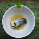 Poisson-chat, umami-nage, pourpier/ Wild Catfish, umami broth, purslane