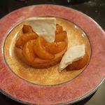 Palet breton, clémentines roties au caramel au beurre et meringue fondante