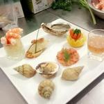 1ère assiette que j'ai réalisé à l'école durant mon apprentissage : Assortiment de fruits de mer..