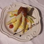 feuilletté d'asperges sauce hollandaise