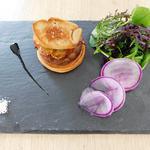Tarte fine au confit de canard et son escalope de foie gras