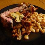 Carré d'agneau sur sa tartelette d'épaule d'agneau confit, légumes de saison