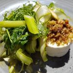 Goat cheese with bacon crumbs and asparagus salad
