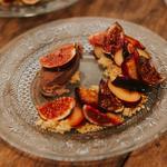 Déclinaison autour de la figue : rôtie, glacée et marinée, steusel à l'amande