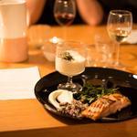 Saumon en deux textures, mousseline de chou-fleur et semoule de chou-fleur à l'huile d'Argan